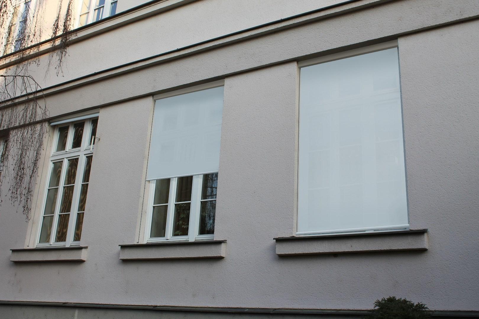 Stínění oken budovy C do dvora