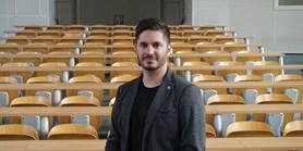 Zkušenosti z volebních kampaní předává Miloš Gregor studentům