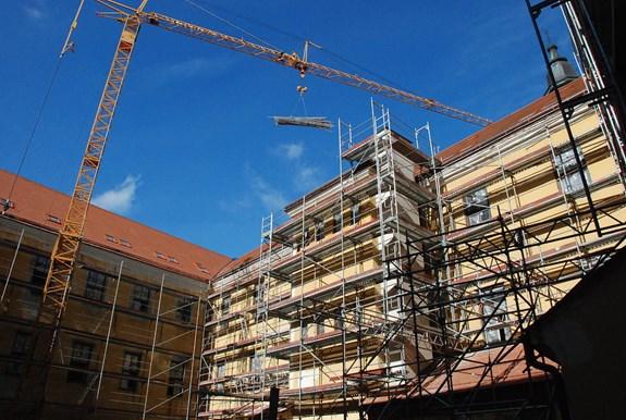 1. etapa rekonstrukce  – oprava pláště budovy