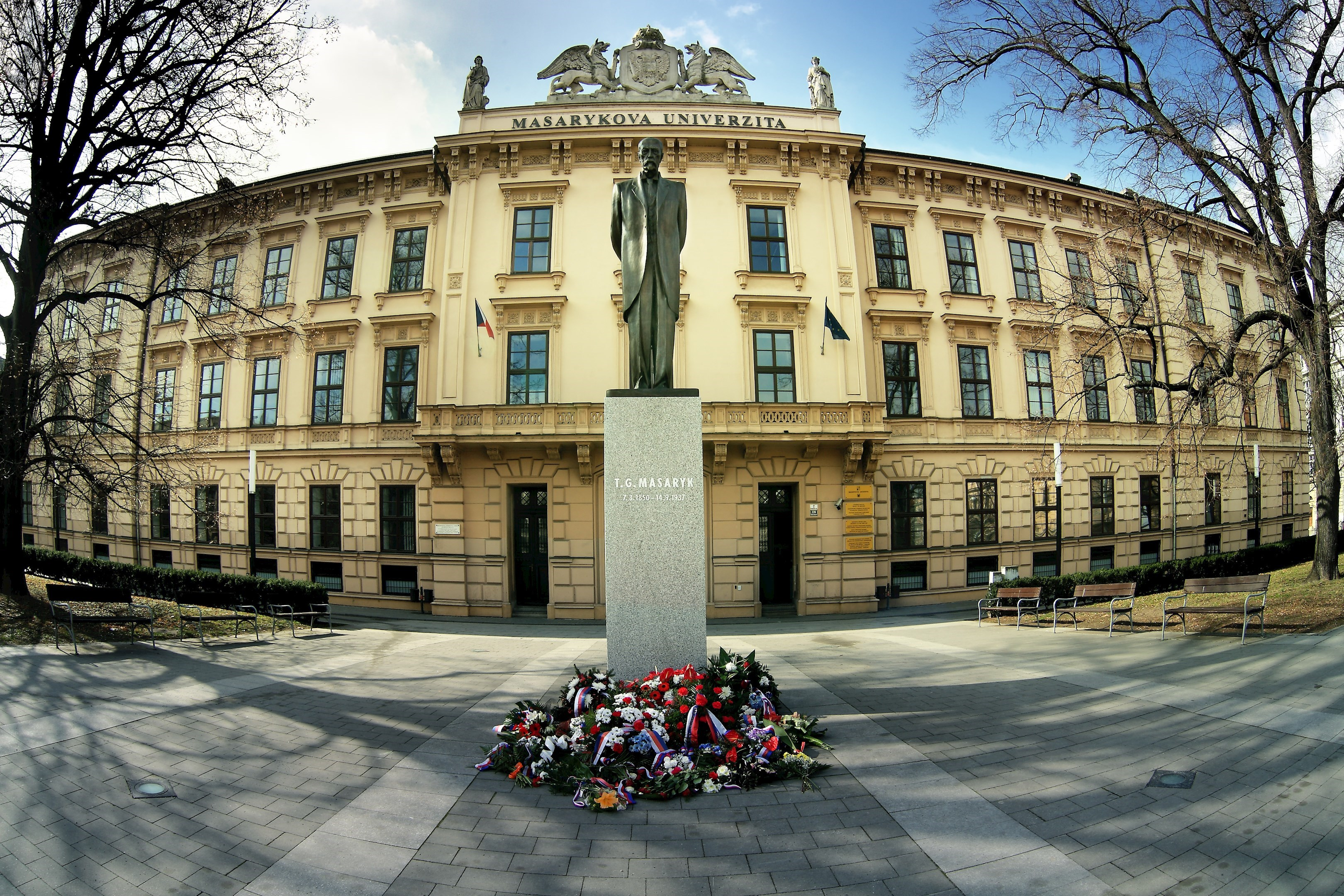 Masaryk University, statue of T. G. Masaryk
