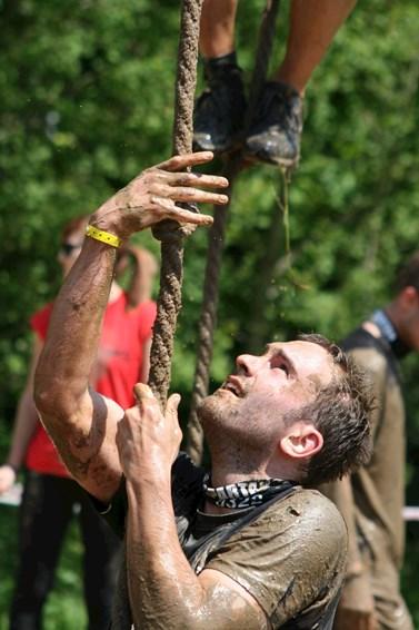 Tomáš Svoboda se nebrání ani adrenalinovým zážitkům. Před třemi lety se například účastnil extrémního běžeckého závodu Spartan Race. Foto: archiv Tomáše Svobody