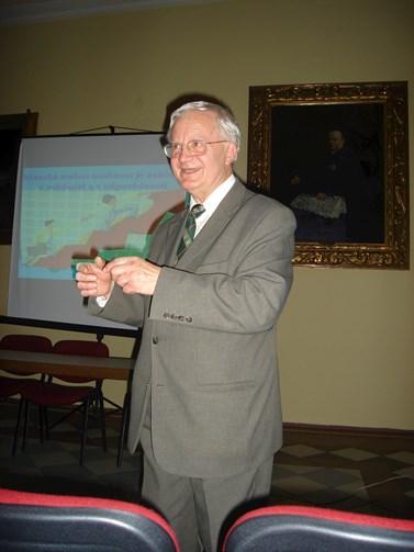 Na univerzitě třetího věku přednáší Vladimír Smékal například o cestě životem. Foto: archiv Vladimíra Smékala
