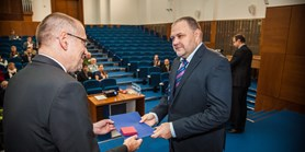 Cena rektora není jako titul Zlatý slavík, zní z rektorátu
