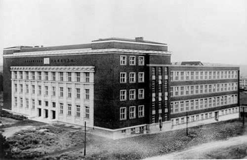 Právnická fakulta, 1933