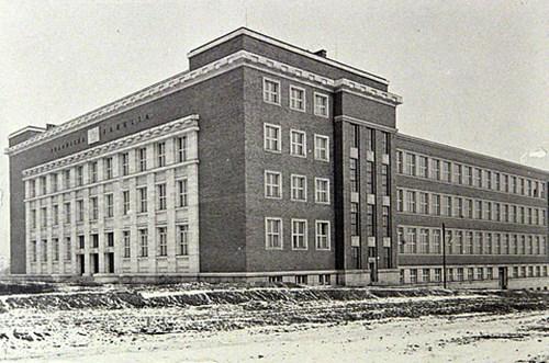 Právnická fakulta, 30. léta