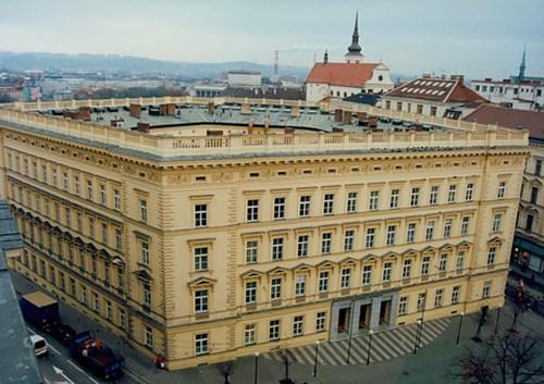 Kaunicův palác, 2. pol. 90. let 20. stol.