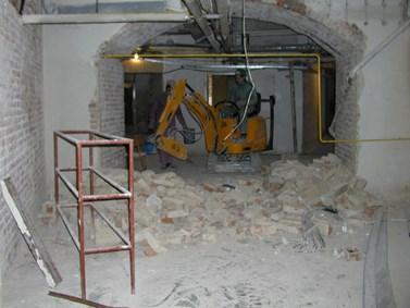Místo pro budoucí kavárnu v říjnu 2003. Foto: archiv FSS