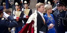 Král na návštěvě sídla GGP v Haagu