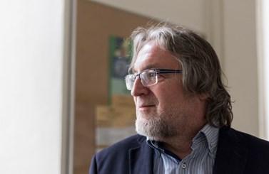 Profesor Macek působí na fakultě od počátku její existence. Foto: David Kohout