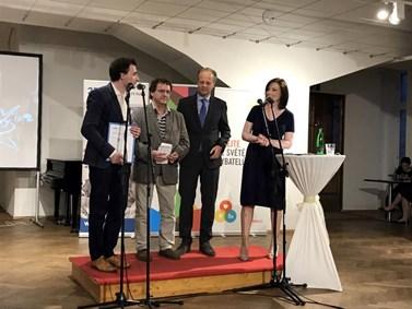 Lukáš Valášek si převzal ocenění v Praze letos 4. května. Foto: Karolína Křenková