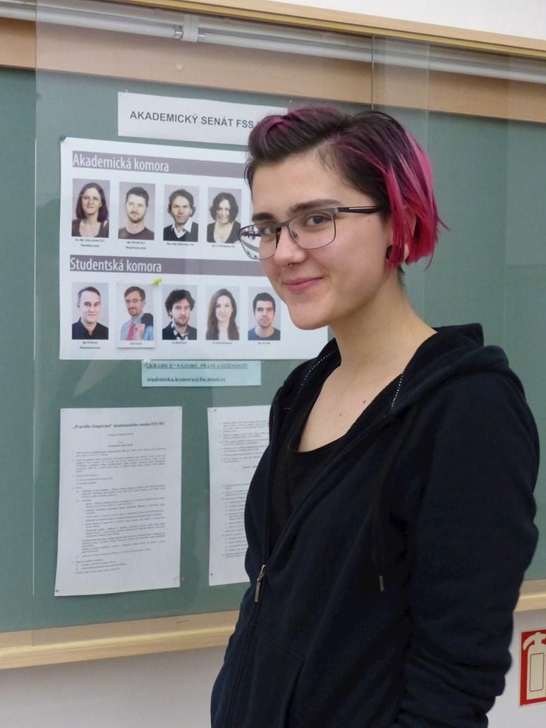 Absolventka fakulty sociálních studií Kristína Čajkovičová nyní studuje magisterský obor gender studies na Central European University v Budapešti. Foto: Kateřina Picková