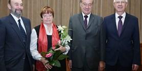 Medaile Akademie věd pro paní profesorku Janu Nechutovou