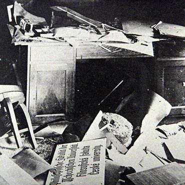 Jedna z pracoven Filozofické fakulty MU po skončení války