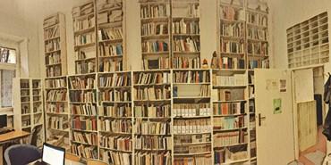 Otevírací doba knihovny ve zkouškovém