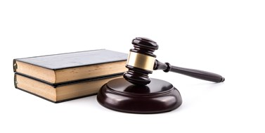 Názorový souboj: Mají soudci vystupovat vmédiích?