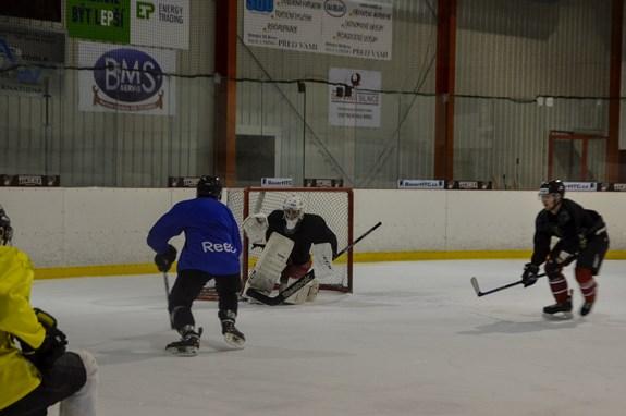 Pavel Golasowski studuje a zároveň hraje hokej za univerzitní družstvo. Foto: Eva Bartáková