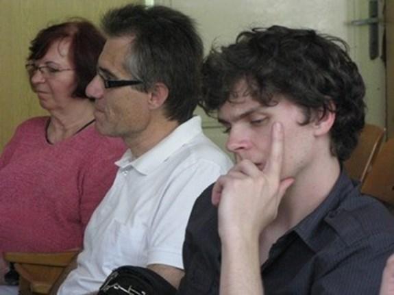 Pavla Zajícová, Zdeněk Mareček a Petr Kuběnský naslouchají příspěvkům