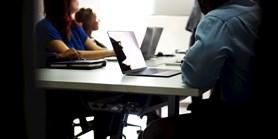 Mýtus: Zaměstnanci jsou hodnoceni jenom z 10 % podle svého skutečného pracovního výkonu a z 90 % podle toho, jak se dokáží prodat