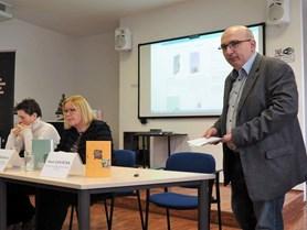 V úterý 19. 12. proběhl v přednáškovém sále ÚČL Den s Českou knižnicí, kde byl slavnostně představen právě dokončený ročník 2017 edice Česká knižnice.