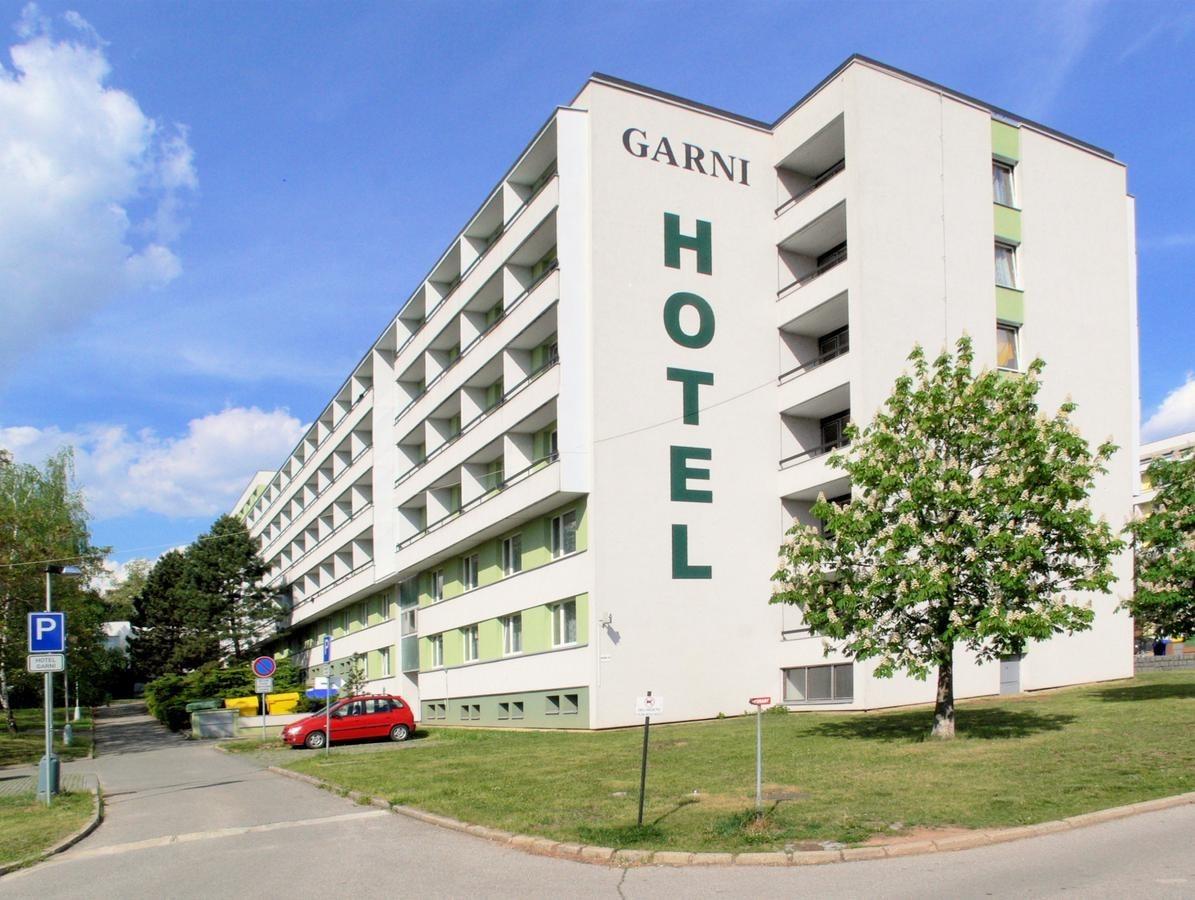 GARNI hotel, Vinarska street, TRAM 1 - stop Lipova