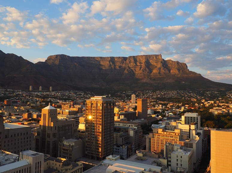 Kapské město by se brzy mohlo dožít Dne nula, kdy dojdou zásoby vody a město zůstane na suchu. CCO 1.0