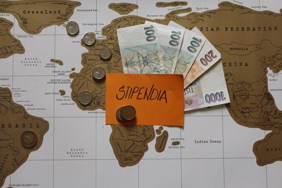 Stipendia fakulta sociálních studií zvýší doktorandům, více peněz poputuje také na zahraniční výjezdy. Foto: Marie Drahoňovská