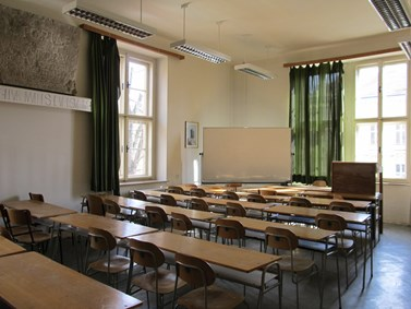 State of the department's building A before reconstruction, the lecture room of František Novotný (A31), spring 2011. Photo: Jitka Erlebachová.