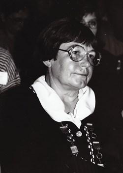 Jana Nechutová na pozici děkanky fakulty. Rok 1995. Zdroj: Archiv MU.