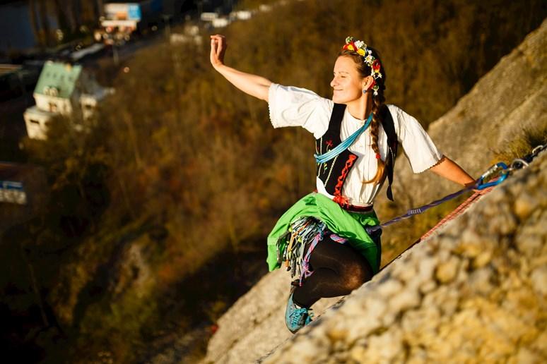 Kromě horolezectví má Petra Pospěchová ráda i regionální zvyky a tradice. Foto: archiv Havlín