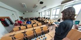 Vysokoškolští pedagogové vylepšují své učitelské dovednosti