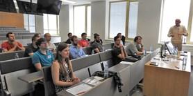 """Workshop """"Podobnostní hledání pro databázové aplikace"""""""