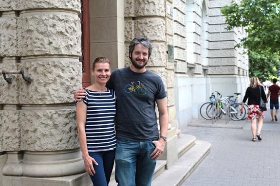 Manželé Hráčkovi vystudovali humanitní obory na fakultě sociálních studií.