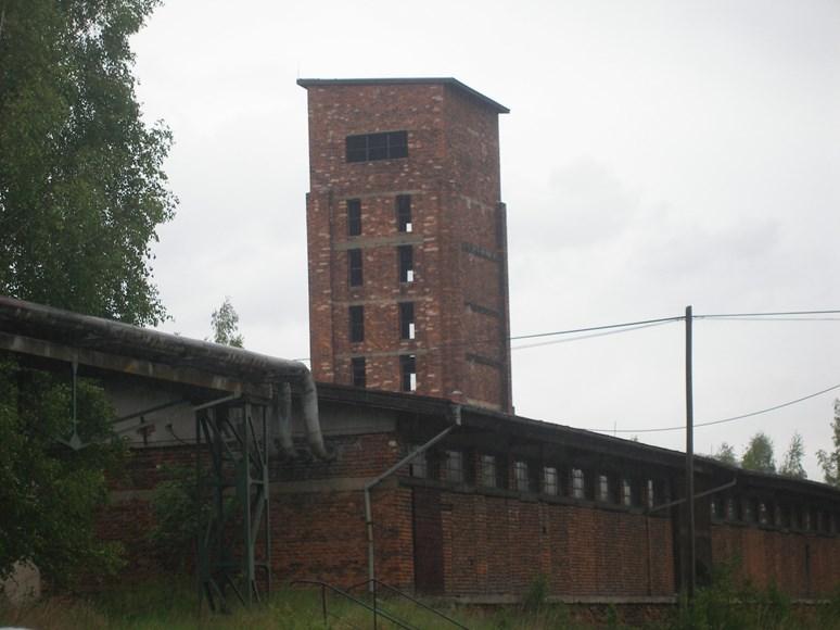 """""""Věž smrti"""" v bývalém pracovním táboře Vykmanov II, Jiří Paclík, Wikimedia Commons, Public domain"""