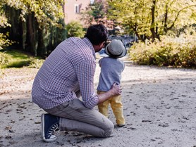 Renata Kyzlinková a Anna Šťastná publikovaly článek o otcovství