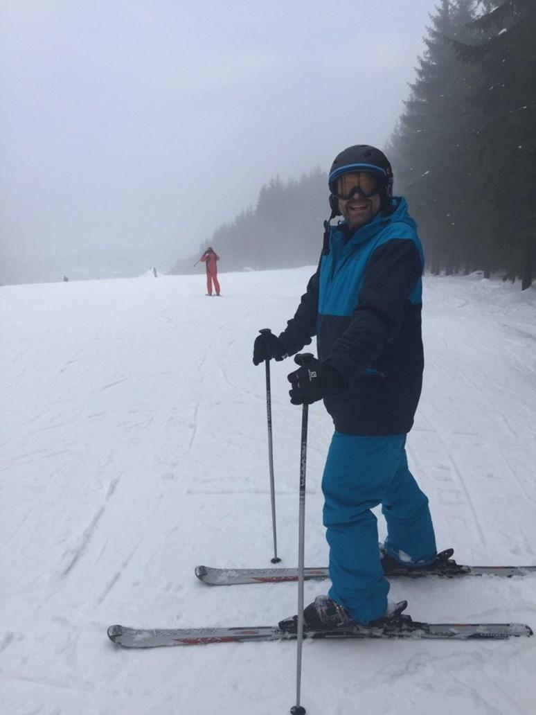V zimě občas Mareš vyrazí na lyže. Foto: archiv Miroslava Mareše