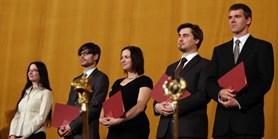 Pro ceny a medaile si přišli vědci i absolventi