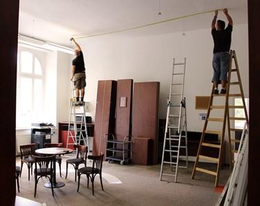 Velké stěhování a renovace neminuly ani knihovnu. Foto: Knihovna FSS