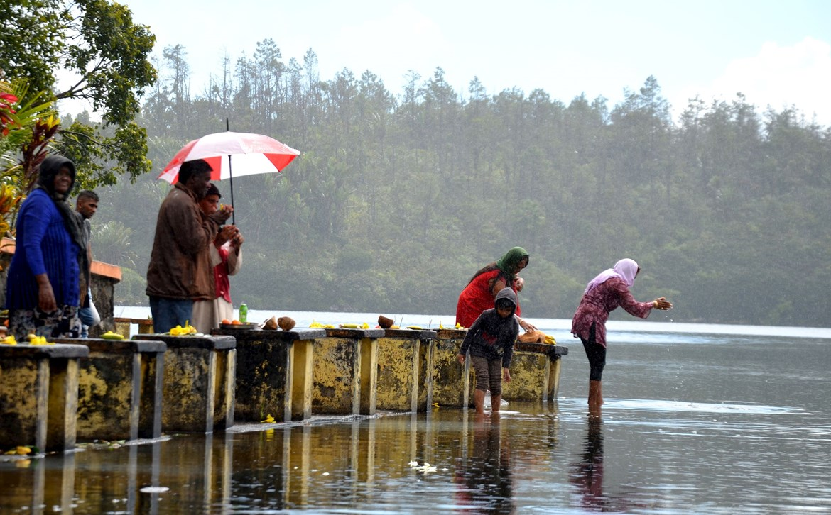 Hindu rituals at Sacred lake Grand Bassin, Mauritius