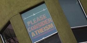Je ateismus spojen se specifickým způsobem přemýšlení?