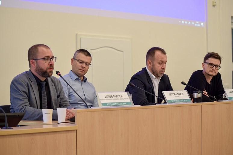 Hlavní debata dne se letos točila hlavně kolem televize. Foto: Lenka Brothánková