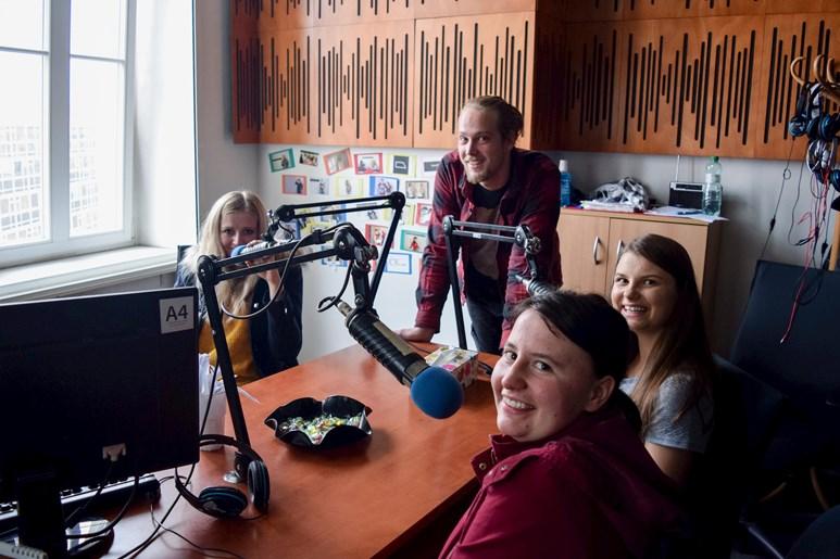 Studentské Radio R vysílalo z Multimediálního dne živě. Foto: Lenka Brothánková