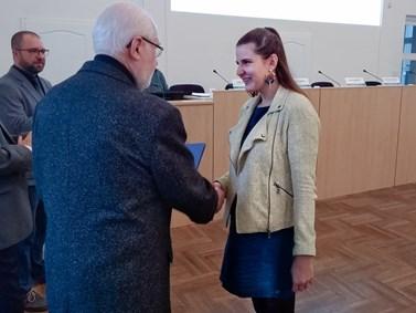 Nagyová převzala diplom za nejlepší produktovou bakalářskou práci. Foto: Halas/Markéta Lankašová