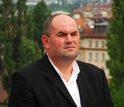 Šéf fotbalové asociace ČR měl mít blízký vztah se soudkyní, která kauzu projednávala. Foto Miroslav Pelta, předseda FAČR (2012), David Sedlecký, 31. května 2012, CC BY-SA 3.0.