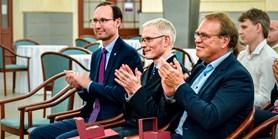 Fotoreportáž: Profesoři z Utrechtu a Drážďan převzali pamětní medaile
