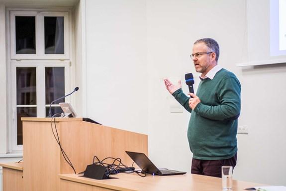Roman Holý mluvil například o využití nových technologií vsociálních službách. Foto: Tomáš Hrivňák