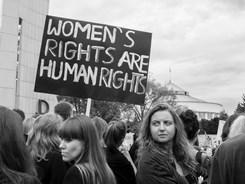 Foto: Odpůrci protipotratového zákona na Černém protestu, Grzegorz Żukowski, Flickr, CC BY NC 2.0