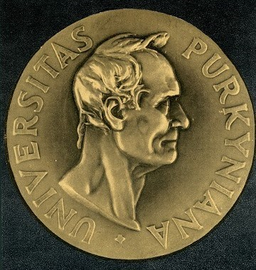 Avers zlaté pamětní medaile J. E. Purkyně