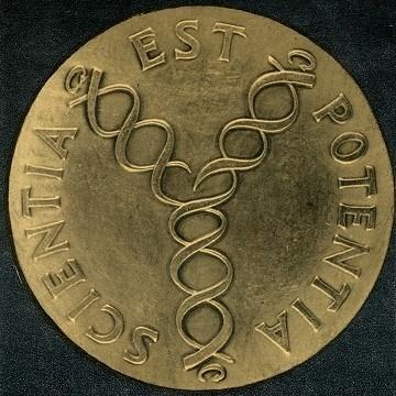 Revers zlaté pamětní medaile J. E. Purkyně