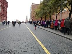 Fronta na Lenina před mauzoleem. Foto: archiv autora