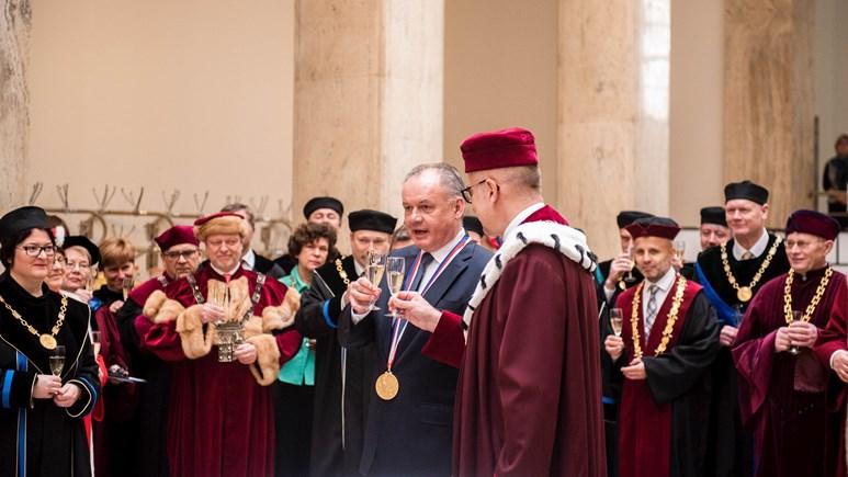 Debatě předcházelo předávání medailí na právnické fakultě.Foto: Tomáš Hrivňák
